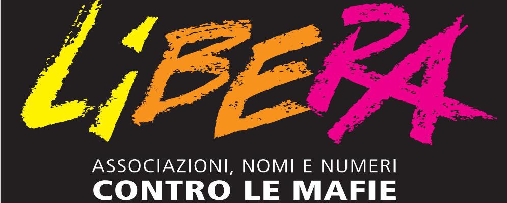 """Ethic in visita a """"Libera: Associazioni, nomi e numeri contro le mafie"""" per conoscere l'esperienza di Libera Terra in Sicilia, impegnata nel riutilizzo sociale di beni confiscati alle mafie"""